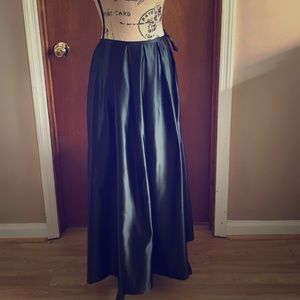 NY & Co. Black Maxi Skirt 6 Semi Formal
